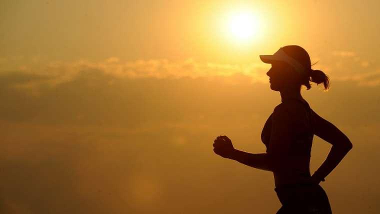 Faire du sport est une excellente façon de rester en forme